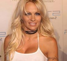 Pamela Anderson en campaña contra el hiv sida