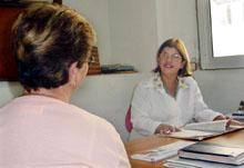 Médicos de atención primaria con formación en hepatitis c , detección precoz y manejo de la patología