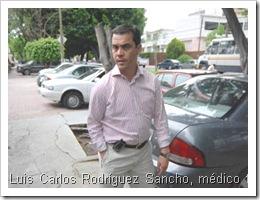 080706CIUDAD Y REGIONLUIS CARLOS RODRIGUEZ SANCHO EN VENDEVIDAS TUVO UNA AUDIENCIA EN LA COMISION DE ARBITRAJE MEDICO DEL ESTADO DE JALISCOFOTO IVAN GARCIA