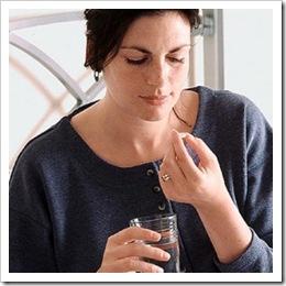 mujer_tomando_pastilla