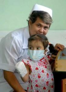 trasplante higado nina yuliana cuba 216x300 Efectivo primer trasplante hepático de donante vivo en Cuba