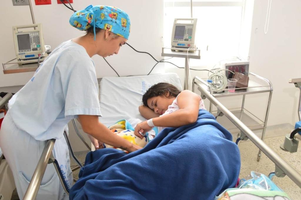 mujer que dió a luz en centro de salud